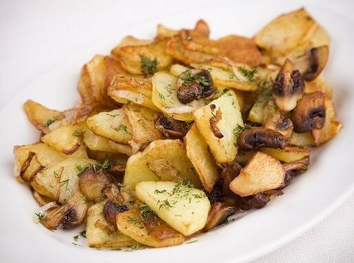 постая еда - картошка с грибами